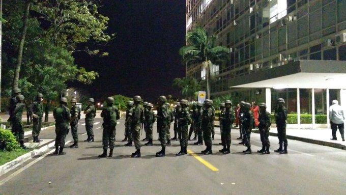 Sete são presos em manifestação de Brasília, diz Secretaria de Segurança https://t.co/I6qF87LMfw