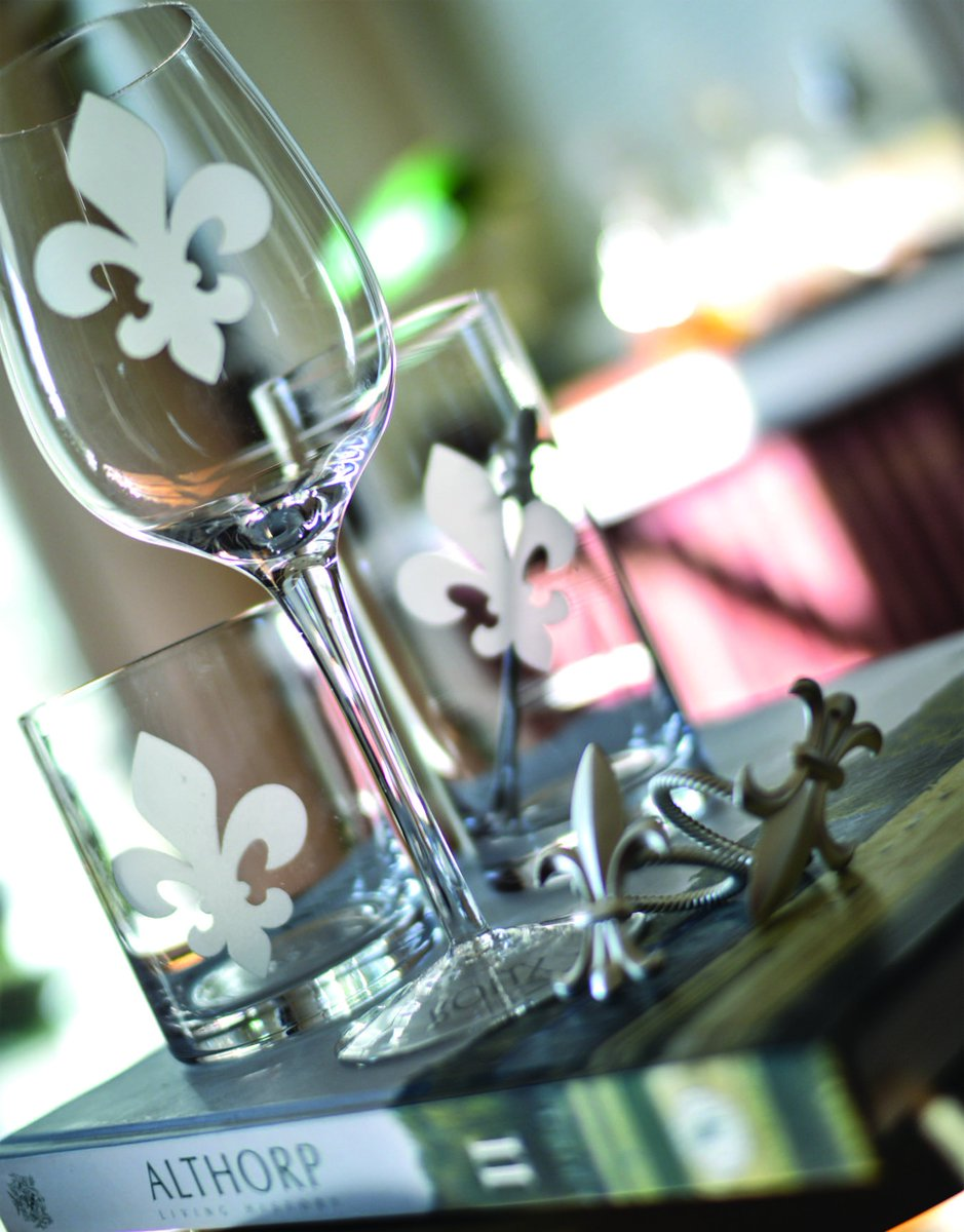 Etched #fleur-de-lis glassware is the choice for connoisseurs. If you know the history, you can go back much further than a fine wine. #RB<br>http://pic.twitter.com/6KqAq9aMla