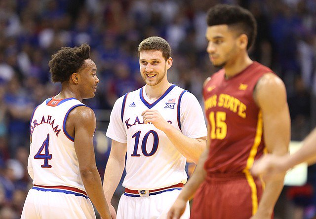 Svi Mykhailiuk announces he will return for senior season | From @BentonASmith: https://t.co/JLtT89qb4H #kubball https://t.co/Eb65xk7cPn