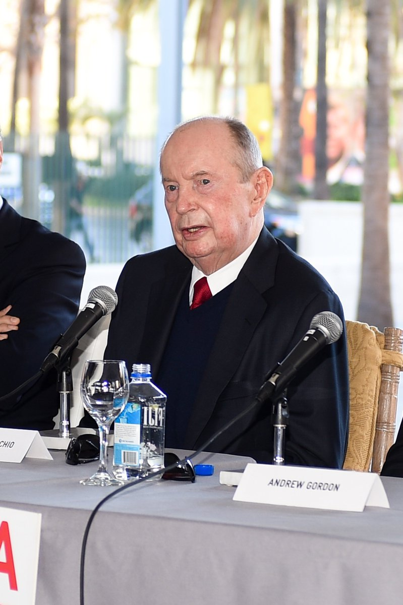 Billionaire philanthropist and former @Univision CEO Jerrold Perenchio dies at 86 https://t.co/1K9h2wabxk