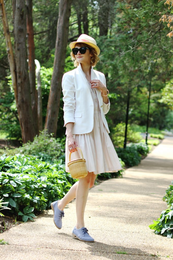 The perfect city shoe via @hushpuppies on District of Chic:   #outfit #betterinpairs