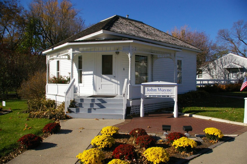 Happy 110th birthday to #JohnWayne! Did you know you can visit his birthplace in Winterset, Iowa?  http:// bit.ly/2qR9HFx  &nbsp;   #ThisIsIowa<br>http://pic.twitter.com/81V5FhPDjO