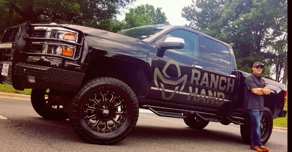 Love this set up!!! @ranchhandtruck has some awesome grill guards, rear bumpers and step tubes!!! #nascar #chevy #truck #silverado<br>http://pic.twitter.com/JwxuWrAuIg