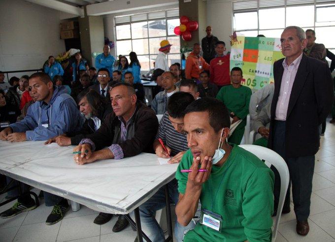 Bogotá contará con 10 nuevos centros para atender habitantes de calle. https://t.co/cwwBSWLl3e