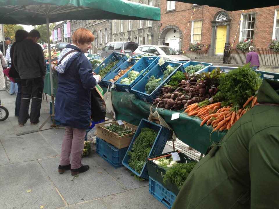 Thursday: Kilkenny Farmers Market - stalls with #Local and #artisan food, vegetables &amp; crafts, The Parade, 9 am<br>http://pic.twitter.com/WUrEdNuUWL