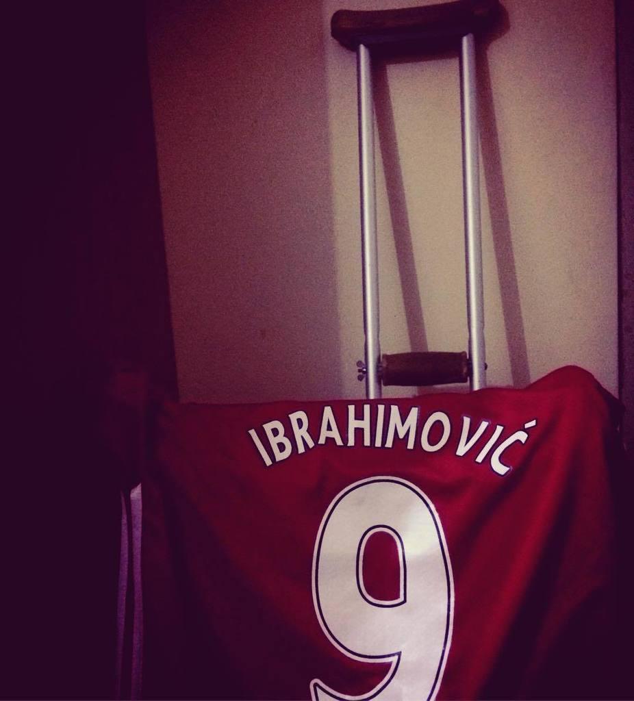#Zlatan #Ibrahimovic get well and stay. #ManchesterUnited #ChampionsLeague #FIFA17 #PES2017 #Fútbol #Futbol #Futeb…  http:// ift.tt/2qYFqoW  &nbsp;  <br>http://pic.twitter.com/dFYSCROpNq