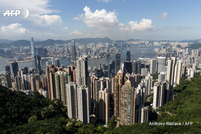 Moody's cuts credit rating for Hong Kong, which agency says is becoming increasingly close to mainland China  https://t.co/jjdz4s82e0