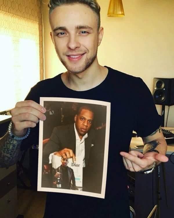 Omg, #Russian #rapper #egorkreed posted the #pic.  #dopepic #trendingpic #jayz #discoverdior #seo #digitalmarketing #autoretweet <br>http://pic.twitter.com/o3FdQ3hSM7