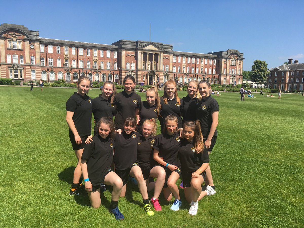 Some of our Y9 girls are attending the Premier League Festival organised by @LufcFoundation @leedsbeckett #futurestudents #uni<br>http://pic.twitter.com/XqDfilg1RM