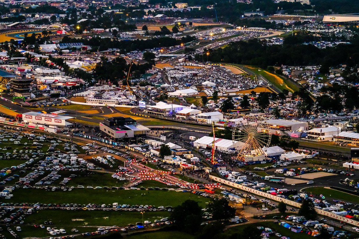 The best place in the world in June 👍 #LeMans24 #WEC 📍🇫🇷🏁 https://t.co...