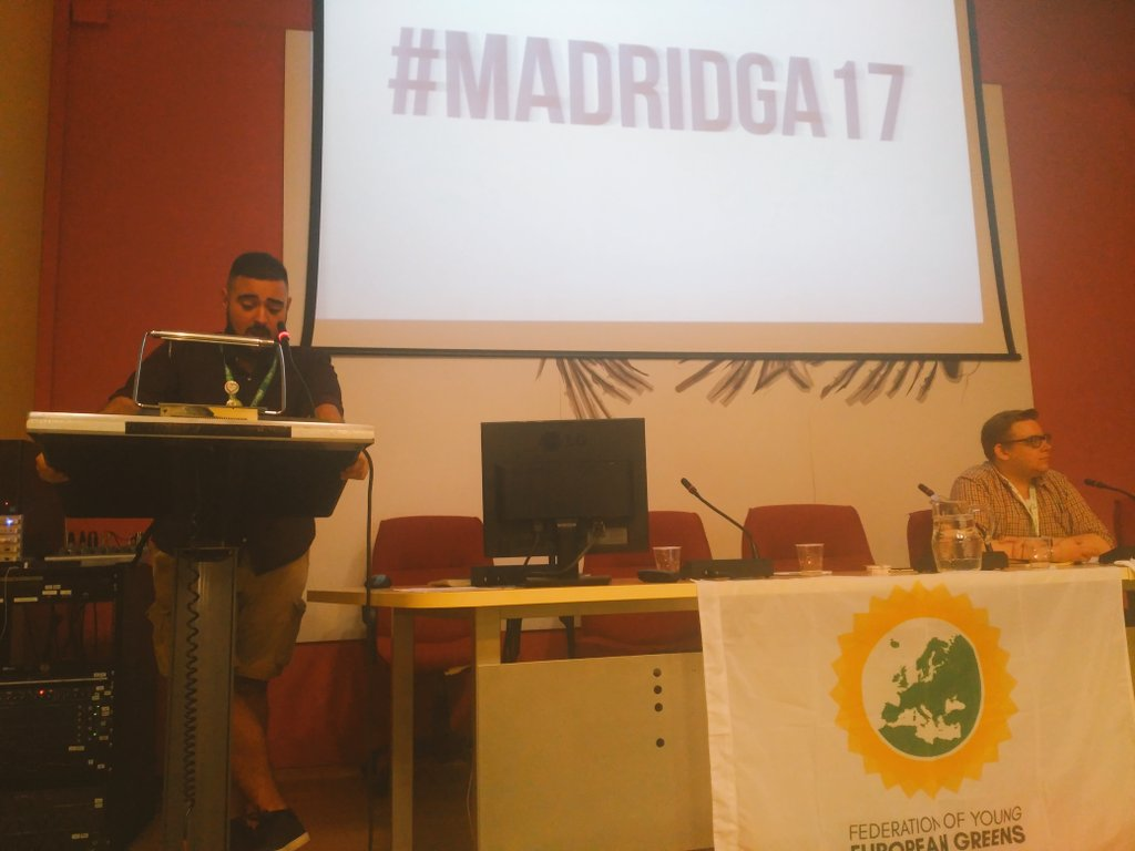 Hola a todo el mundo !!! @juande93 welcomes #MadridGA17 on the name of @redequojoven &quot;Let&#39;s paint this world in #Green &quot;. <br>http://pic.twitter.com/xyG79rxSDJ
