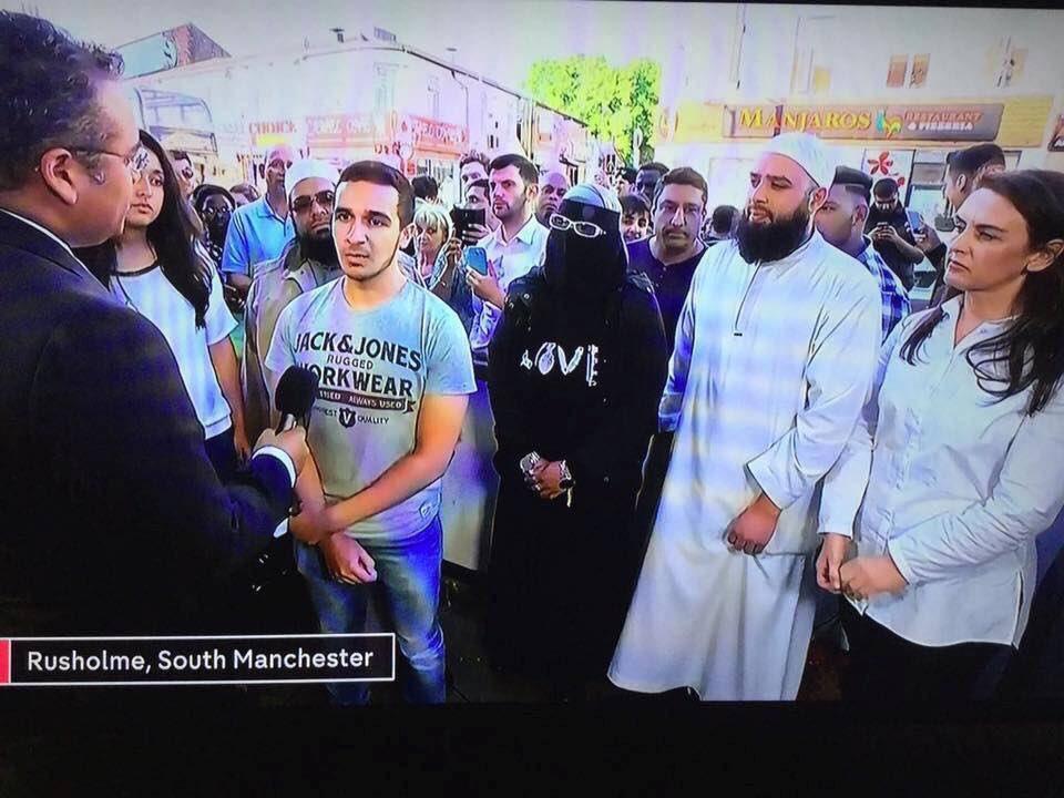 Attentat à Manchester DAqPCcTXcAApl-U
