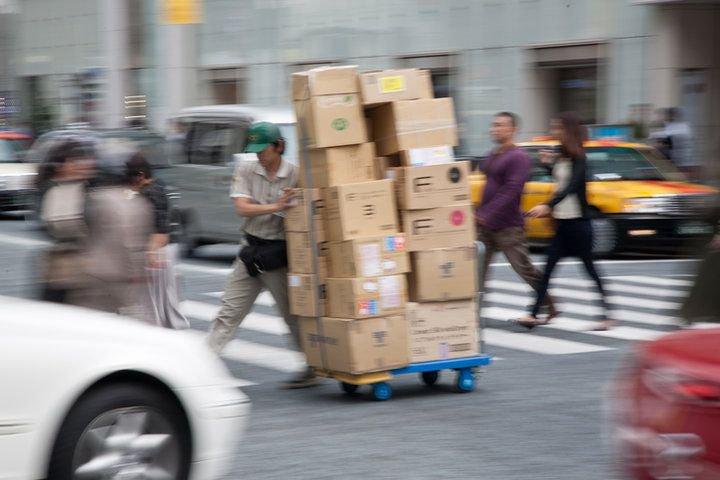 【人気記事】ヤマト値上げが裏目に? 運送会社化するアマゾン ――ネット通販による自社配送網強化につながれば、ヤマトにとって同業のライバルに変貌する https://t.co/QylR3EBQzG  #ヤマト #ネット通販 #アマゾン