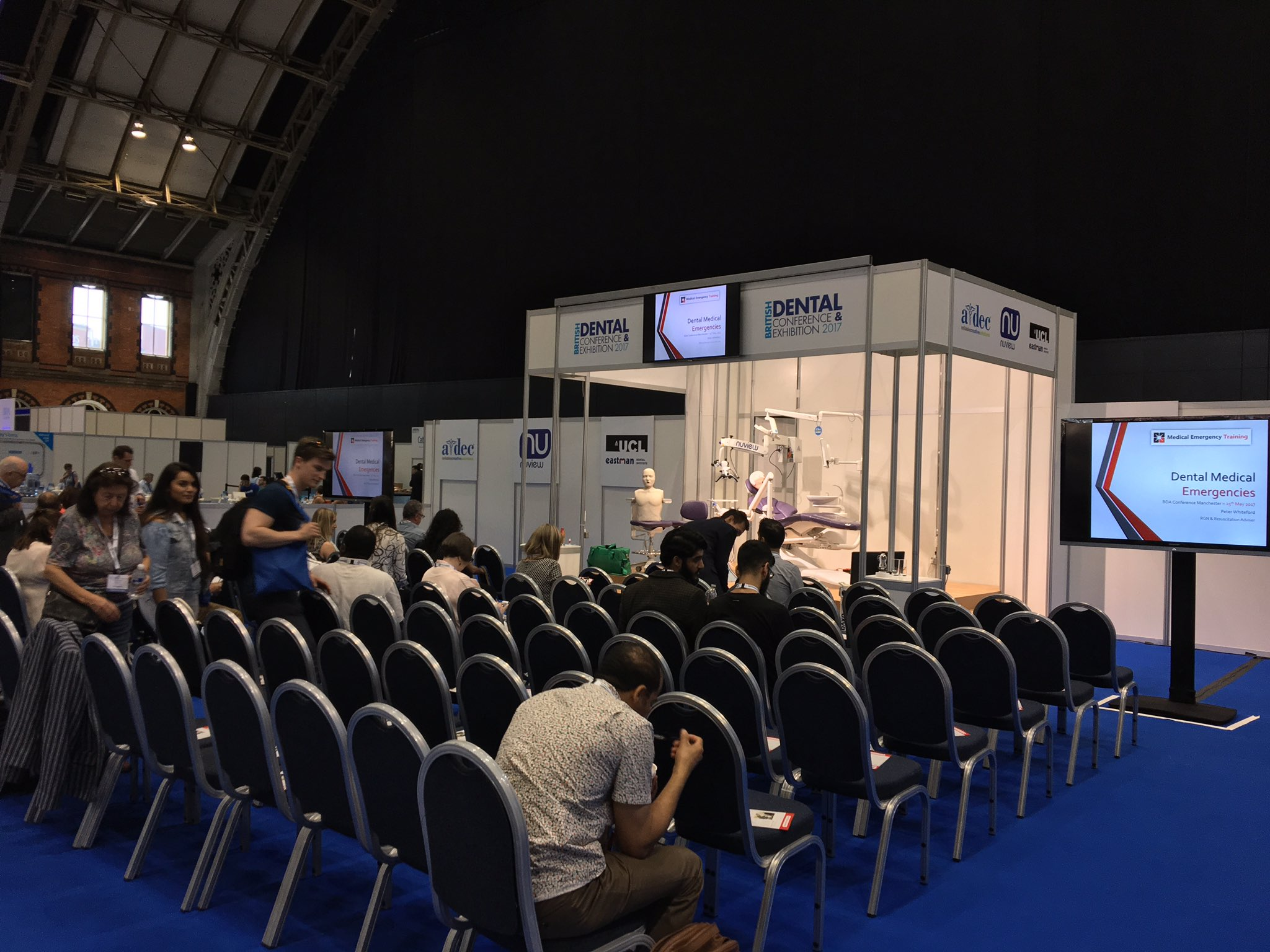 "Starting to get busy for the ""Medical Emergencies: What to give and When to give it"" starting at 11:30am #BDA2017 https://t.co/imGywLnmMY"