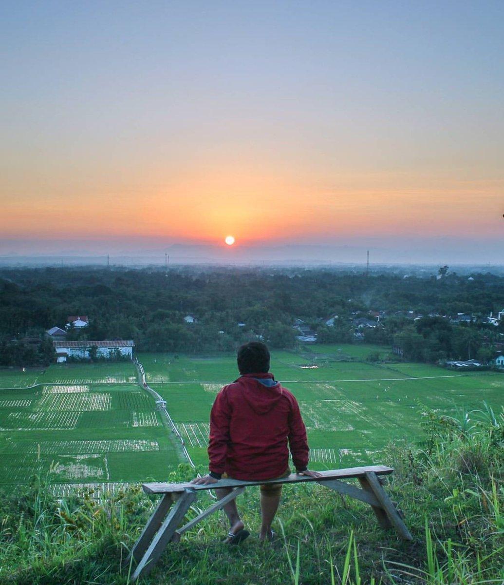 Jogja Yogyakarta בטוויטר Syahdu O Sunset Di Puncak Gebang Pleret Bantul Yogyakarta Jogja Photo By At Gunawanwicaksana28 Ig