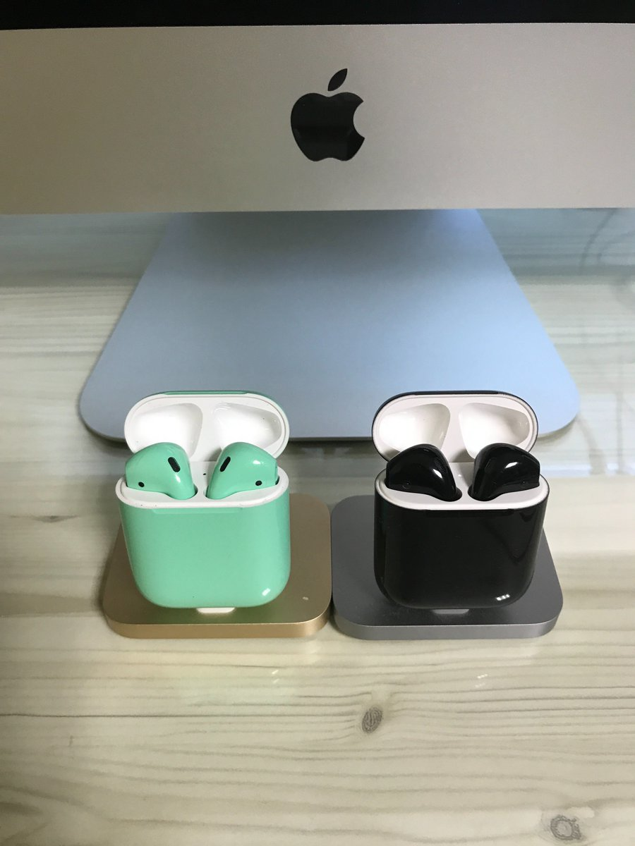 One for my wife, One for me. Just different Colors give us Joy. #airpods #apple #colorware #color #mint #Jetblack<br>http://pic.twitter.com/j08apLWgyi