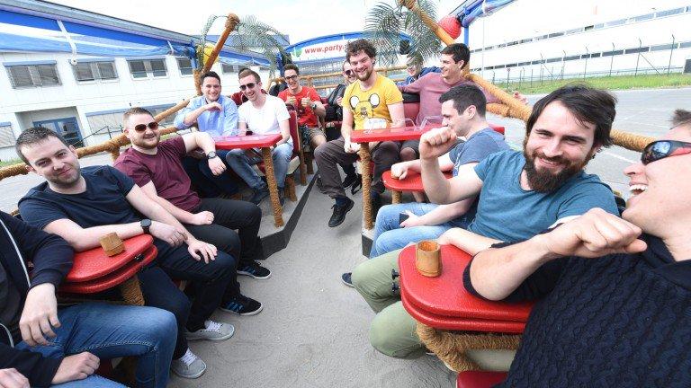 Russia craigslist frauen suchen männer english