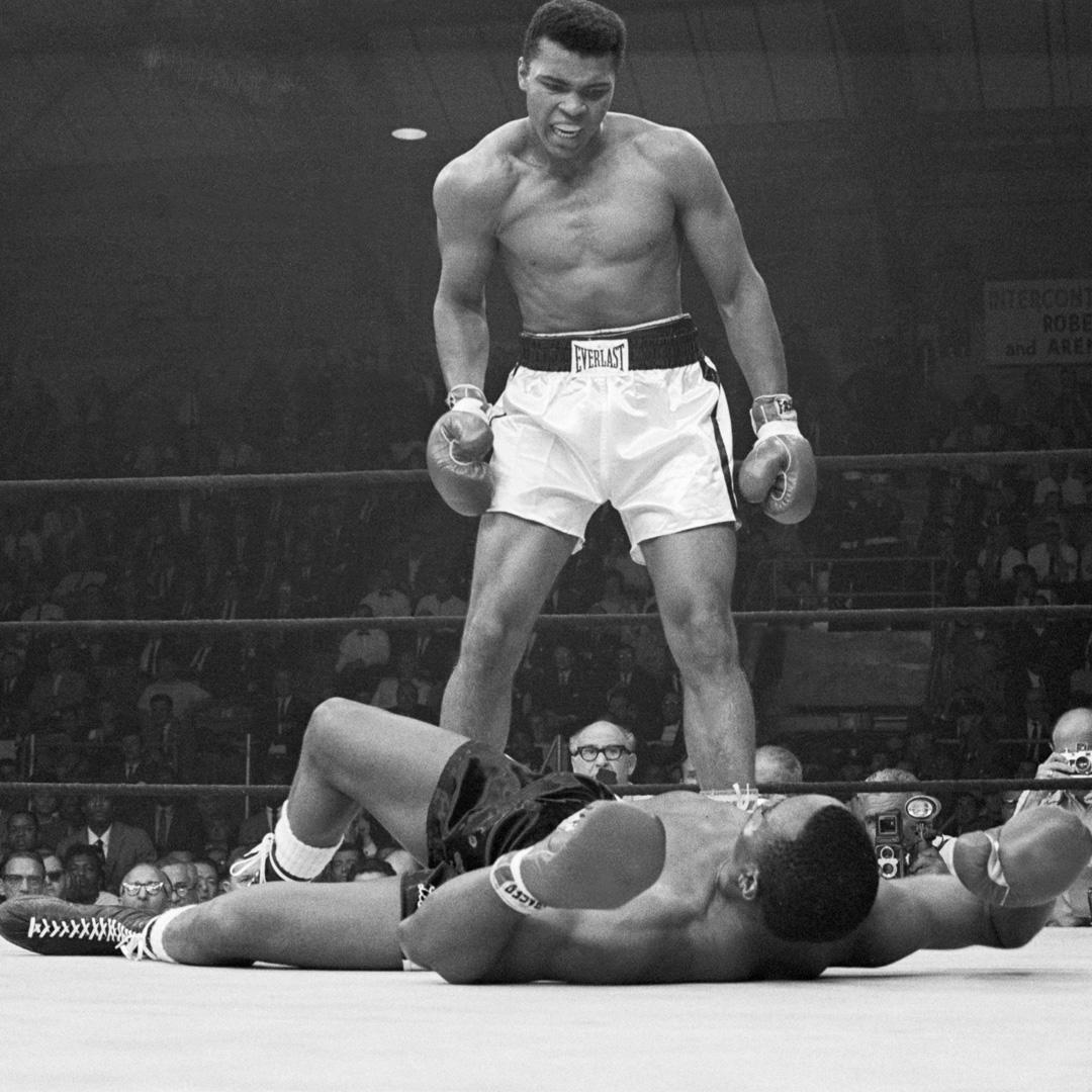 Today in 1965: Muhammad Ali stopped Liston in one. https://t.co/rfKOvT...