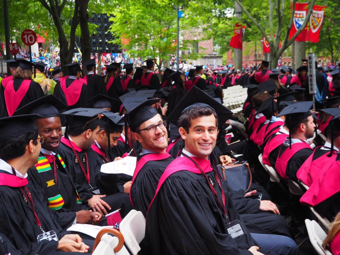The ceremony in @Harvard Yard is about to begin. Watch the livesteam: https://t.co/sFUBxZspyG #HBS2017 #Harvard17