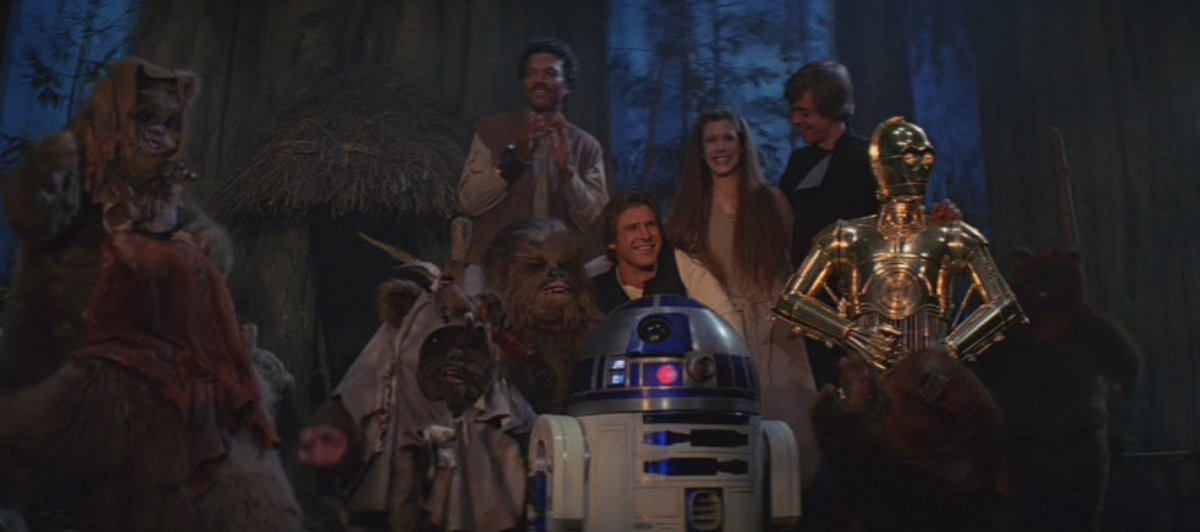 May 25, 1983, Return of the Jedi was released in theaters. #80s Exactly 6 years after original Star Wars. <br>http://pic.twitter.com/MkuyE68IzK