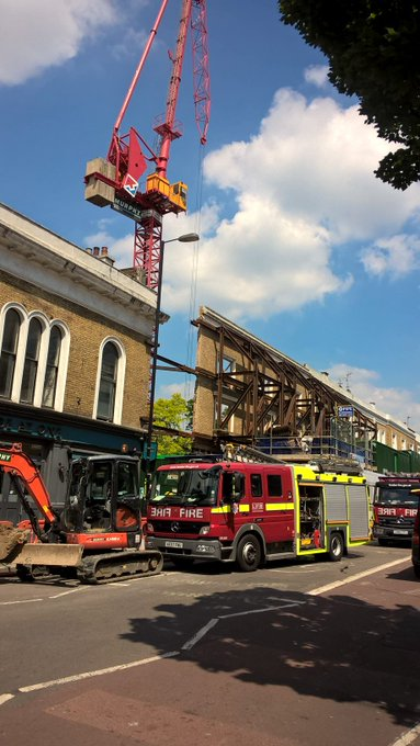 Our 999 Control officers took 21 calls to the fire at the building site in #Islington #ThisWeek https://t.co/Be14kNFNlY © @wickedheadrush