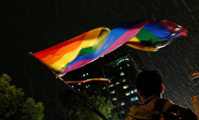 Militar sul-coreano é condenado por ser gay. https://t.co/mb4ARqHmWo