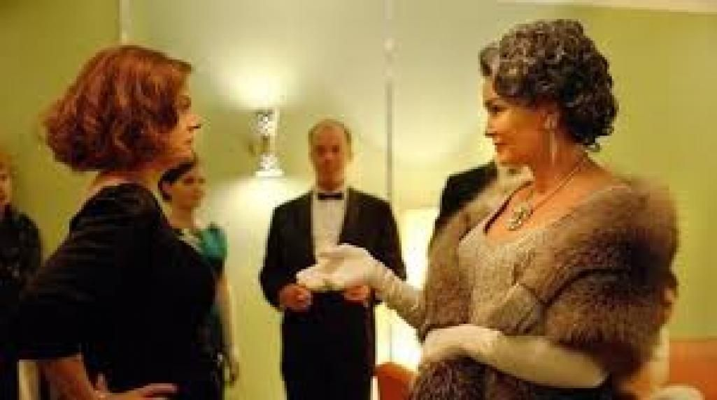 How #Feud recreates the world of 1963 Hollywood - @Vox  http:// buff.ly/2qDuPPt  &nbsp;  <br>http://pic.twitter.com/mHAkXxgs2f