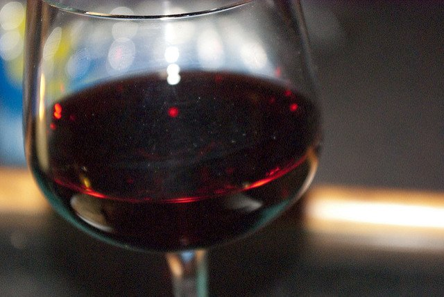Calories in alcohol explained, plus tips to avoid weight gain from drinking: https://t.co/c5QIrpemd5 #NationalWineDay