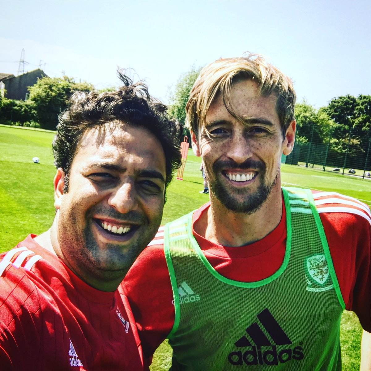 With the Big man @FAWCoachEd for our A Course #Wales #uefa #coaching #football # <br>http://pic.twitter.com/Or4BS6EeXv