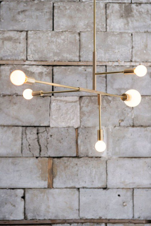We&#39;re always on the look-out for contemporary lighting – we think this is our favourite, though! #gold #lighting #home<br>http://pic.twitter.com/i67OJMioY5