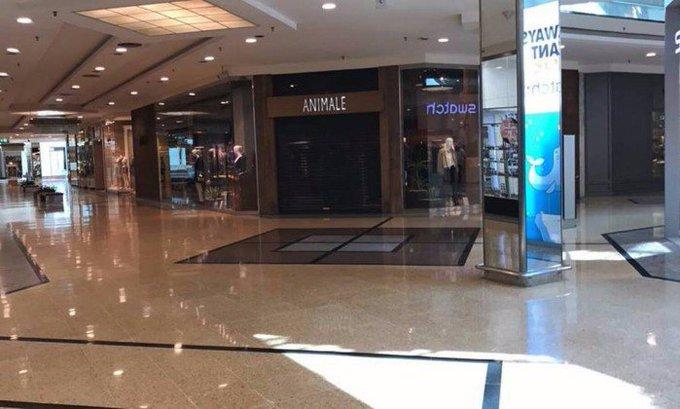 Tiroteio durante tentativa de roubo a uma loja no Barra Shopping assusta frequentadores. https://t.co/7QwJeg3DR2