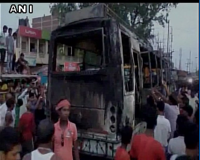 Latest #visuals from Bihar's Nalanda: Bus gutted in fire, 8 killed, a dozen injured.