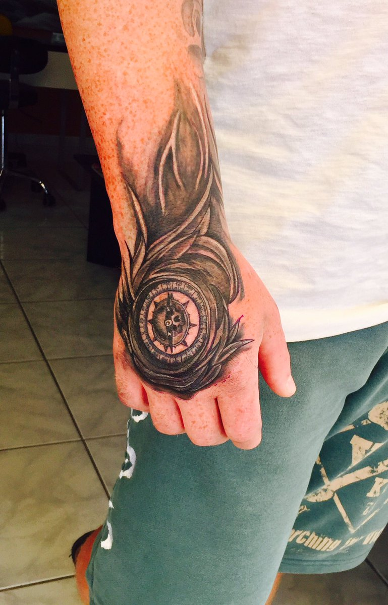 Marek Stattoo On Twitter Compass Hand Tattoo Compass Tattoo