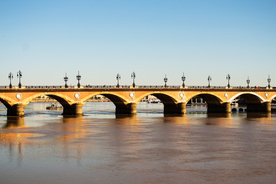 Here is &#39;le pont de pierre&#39; in #Bordeaux #France Well known city for its #wines Enjoy!  #nationalwineday #500pxrtg #bdxlive @visitbordeaux<br>http://pic.twitter.com/BJC4uv8WXH