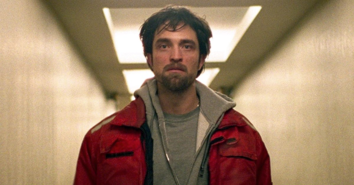 Robert Pattinson gives his &quot;career-best&quot; performance in #Cannes thriller &#39;Good Time&#39;:  http:// share.ew.com/6gBQ4Rw  &nbsp;  <br>http://pic.twitter.com/lAbdotli3N