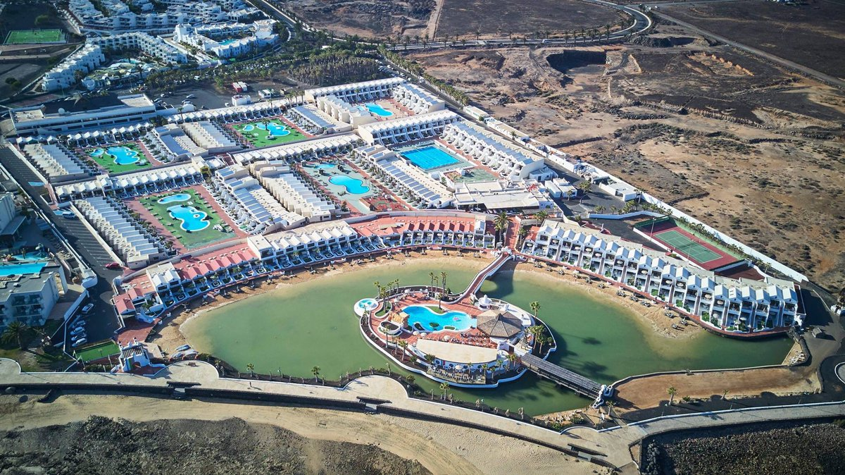 Sands Beach Resort On Twitter Hello From The Sky Lanzarote Canaryislands Holidays Relax Family Paradise Hotel Drone