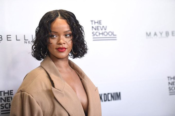 A man has been arrested for criminal trespassing at Rihanna's apartment building https://t.co/vn7lLCZVD1