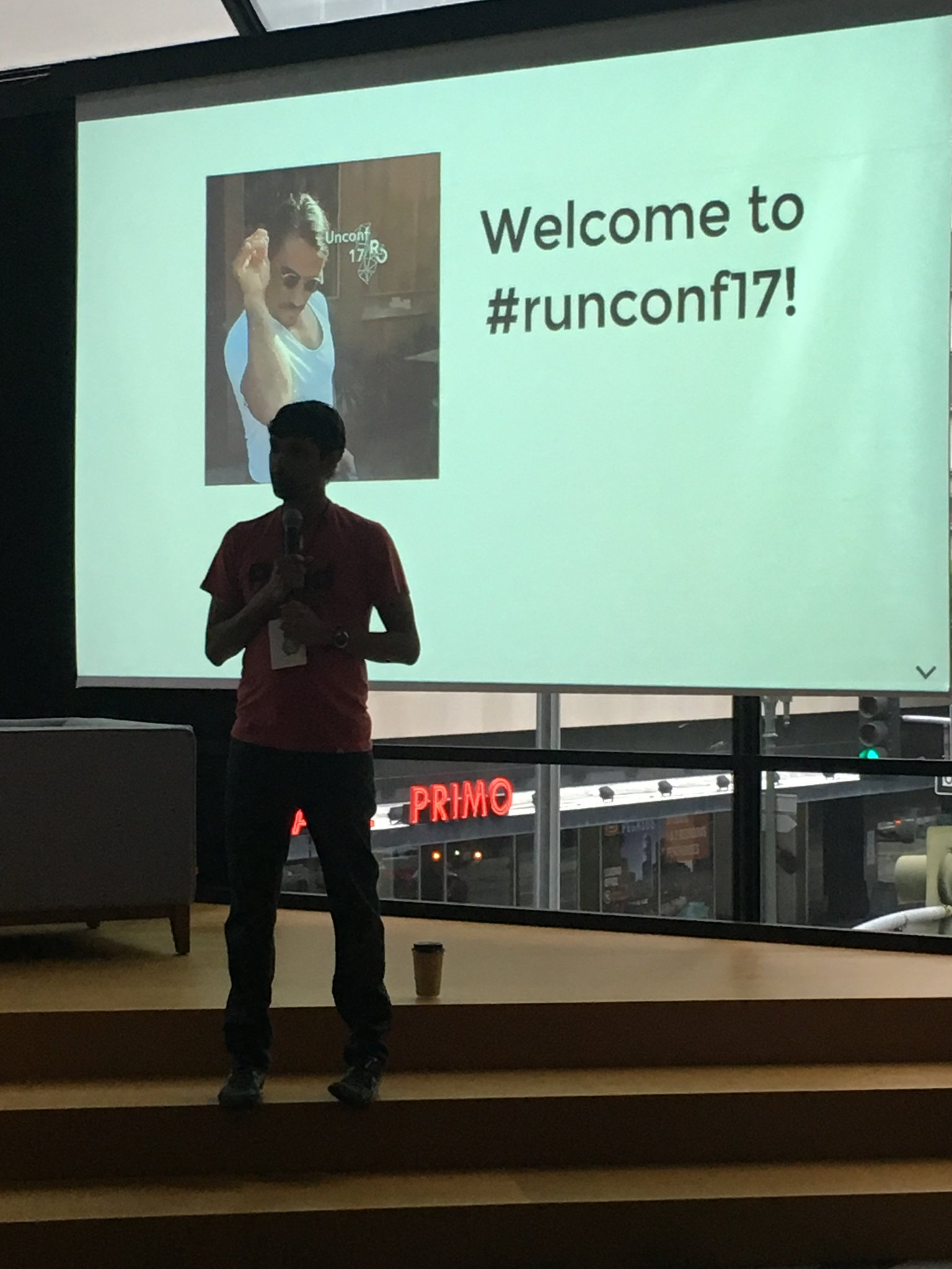 .@_inundata explaining why he's not wearing a salt bae outfit #runconf17 https://t.co/3z1Eu2xGW0
