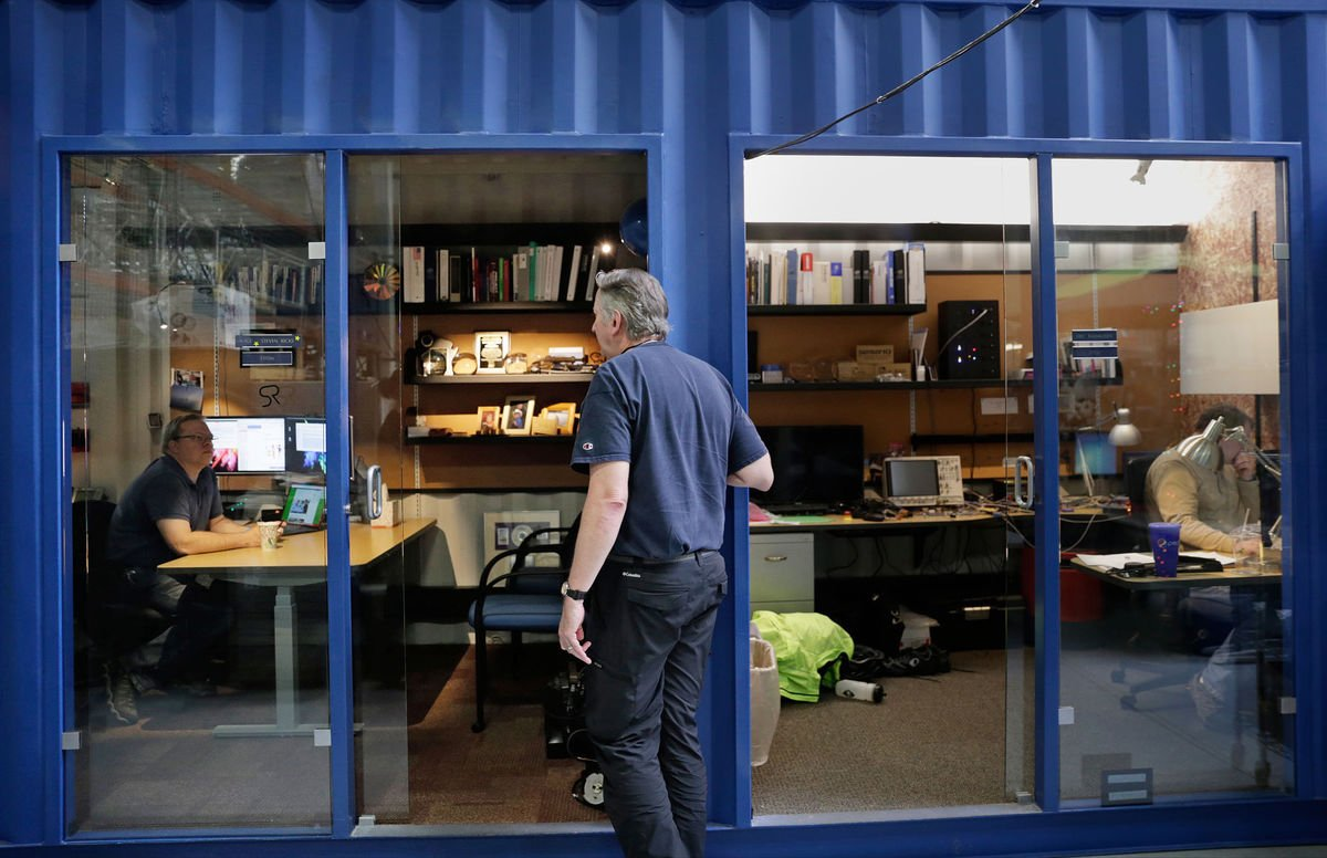 #Repurposed #Recycled #Shippingcontainers transformed into offices  http:// host.madison.com/wsj/business/s teel-shipping-containers-to-be-transformed-into-offices-in-etc/article_5898a839-4644-522b-a290-54f5698e52ca.html &nbsp; …  #cargotecture #sustainability #containermods<br>http://pic.twitter.com/YGpWmC7NDI