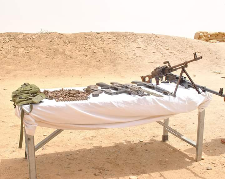 #Algeria: ANP discovered an arms cache containing HMG, PKM, grenade, AKs..this morning in In Guezzam near the #Niger border<br>http://pic.twitter.com/cBPDZB6dhY