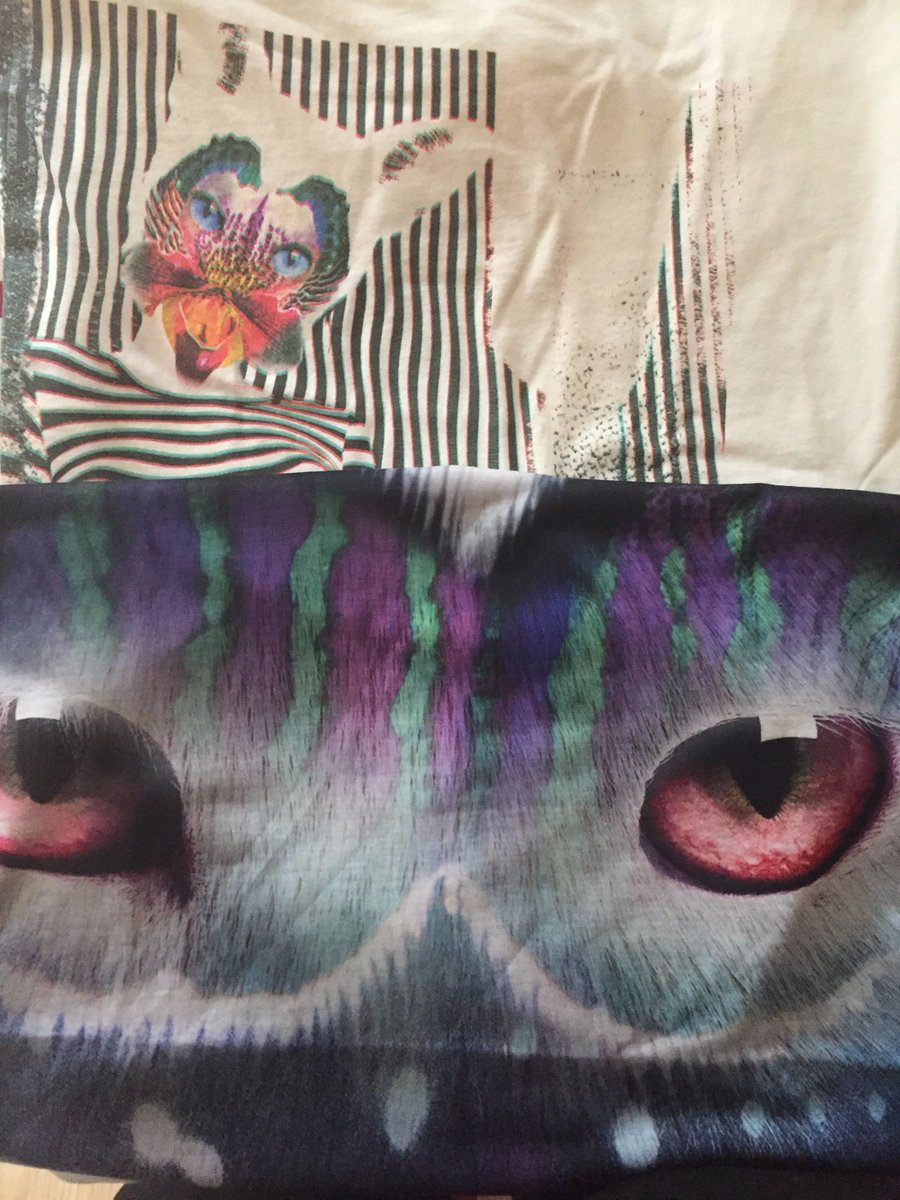 finally got my @wearegalantis tshirts! i\'m so excited 😍❤️
