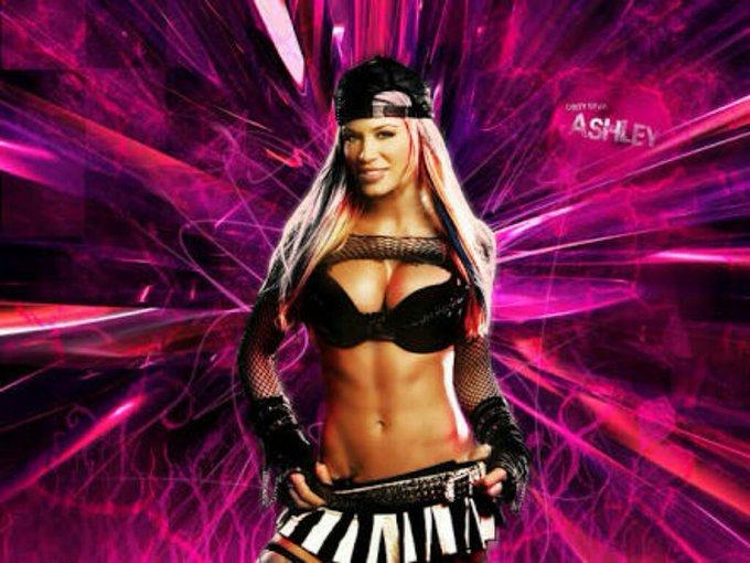 Hoy cumple 38 años la luchadora Ashley Massaro Happy Birthday