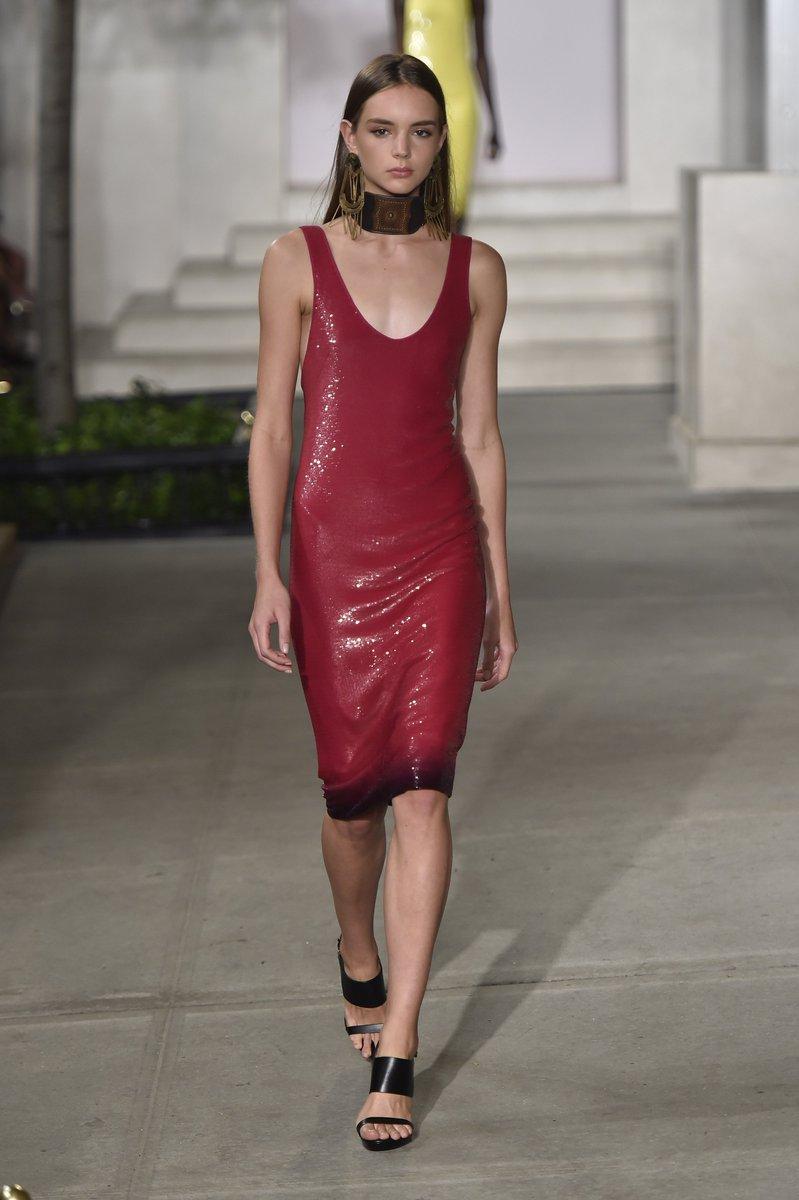 Ralph Lauren 2017 New York Spring #collection #ReadyToWear #PretAPorter #fashion #model #show #dress #highheels #beauty #runway #Couture<br>http://pic.twitter.com/flp6QsAsfO