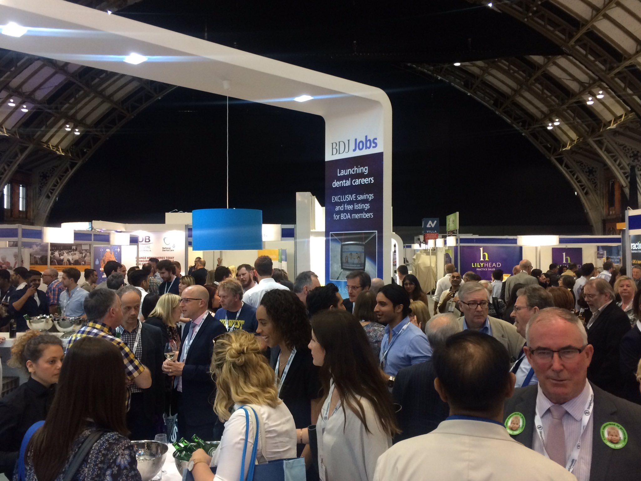 Wrapping up a fantastic first day here in Manchester! See you tomorrow #BDA2017 https://t.co/mcIAQoSVv7