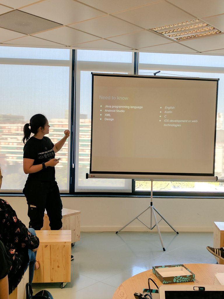 What do you need to know to be an #androidDev #java #xml #androidStudio #english #wwcode<br>http://pic.twitter.com/VuA6QR8Sbq