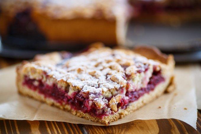 La ricetta della crostata con ciliegie e ricotta