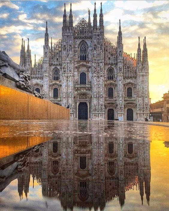 Peaceful place to visit in #Milan!  #Peace #Catherdal #Beautiful #Milano #Italy<br>http://pic.twitter.com/Ijpkhy6UmG