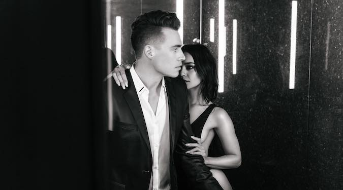 Have you listened to @ShawnHook's track #RemindingMe ft. @VanessaHudgens today?!  Check it out on #TodaysTopHits!   https:// open.spotify.com/user/spotify/p laylist/37i9dQZF1DXcBWIGoYBM5M  … pic.twitter.com/KosibuqDwR