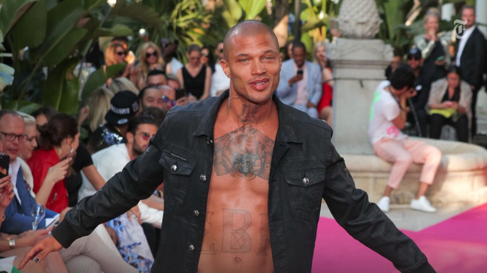 "The ""hot felon"" traveled to Cannes for his second @philipp_plein show https://t.co/q5KUIdyRMs https://t.co/PsX4abBxAx"