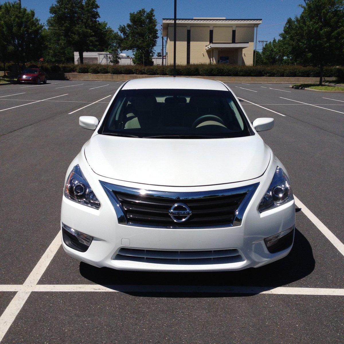 2015 Nissan Altima 2.5S Nice car low mileage: 49000 (salvage) Features: backup camera, Bluetooth, XM radio, USB, etc. Cash:$9500 or financepic.twitter.com/ ...
